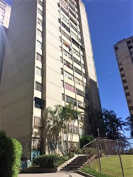 Apartamento En Rosaleda En Alquiler