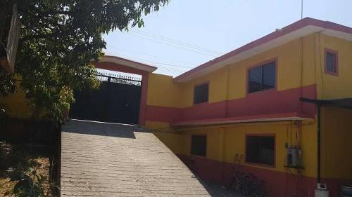 Casa Con Más De 1400 Metros De Terreno