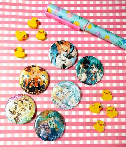 Set De 6 Pins Prendedores De Anime Vocaloid Pines Miku Len