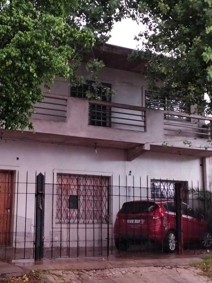 Casa 4 Ambientes Con Cochera Descubierta *zona Castelar Sur*