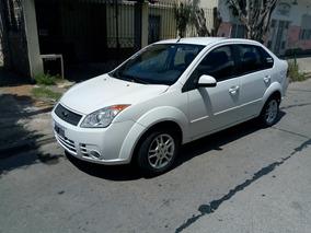 Ford Fiesta Max 2010