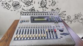 Mesa Digital Yamaha 01v - Leia