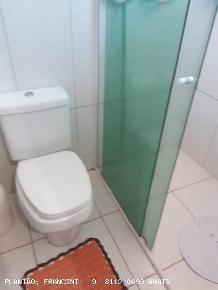 Chácara Para Venda Em Bauru, Condomínio De Chácara Real Village, 2 Dormitórios, 2 Banheiros, 4 Vagas - 437_2-832009