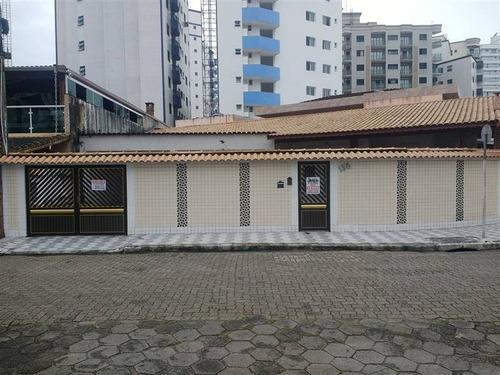 Casa, 3 Dorms Com 164.57 M² - Ocian - Praia Grande - Ref.: Pr1375 - Pr1375