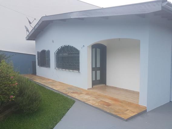 Casa A Venda No Bairro Centro - Lindoia/sp