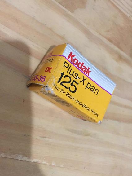 1 Filmes Kodak Plus-x Pan 125- 36p ( Vencido 10/2003)