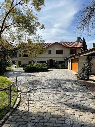 Imagen 1 de 12 de Importante Casa Con Parque En La Mejor Zona De La Horqueta.