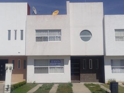 Comoda Casa Amueblada En Fraccionamiento Privado.