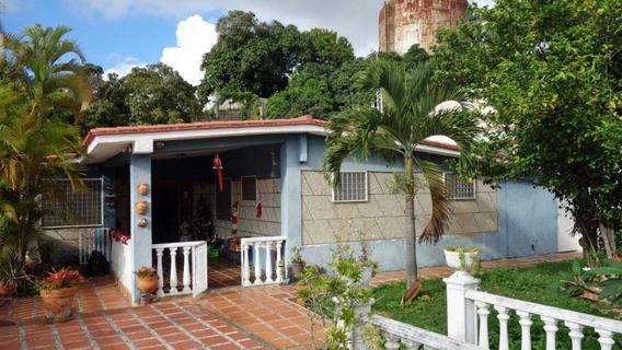 Excelente Oportunidad De Vivir En Amplia Casa La Trinidad.