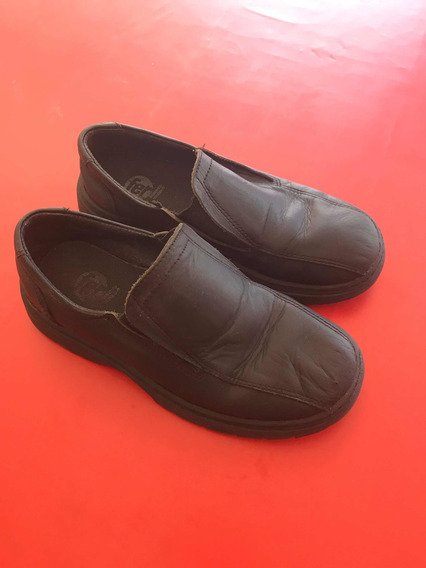Zapatos Colegiales Ferli Niños Negros Talle 32 Usados