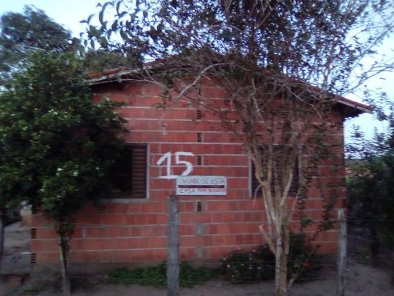 Casa 3 Quartos,sala,cozinha,banheiro E Área Serviço
