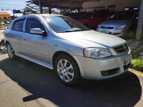 Astra 2.0 Hatch Advantage 140cv