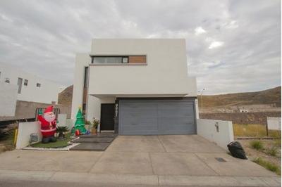 Hermosa Casa Moderna, Con Celdas Solares, Alberca Con Climatizacion, Jacuzzi, Completamente Equipada