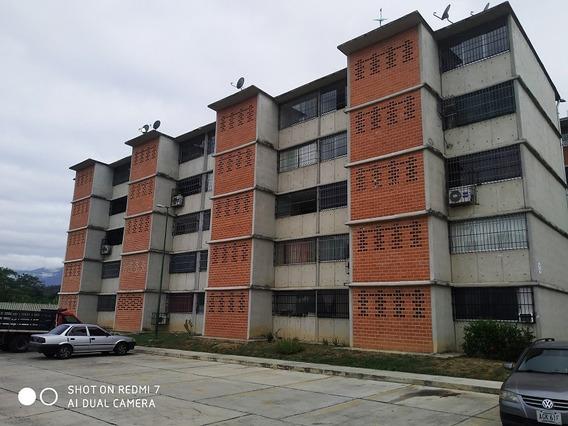 En Alquiler Bello Y Comodo Apartamento