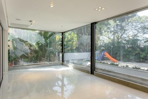 Rua Tranquila E Silenciosa - 380 M² - 3 Suites - 3 Vagas - Pd1587