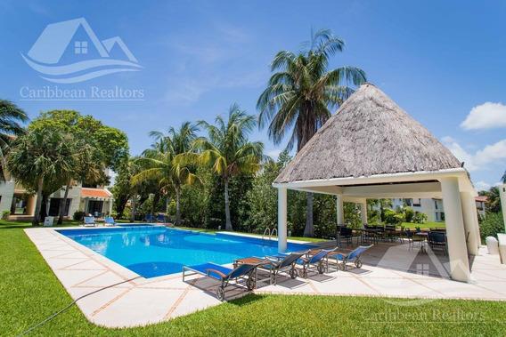 Departamento En Venta En Isla Dorada Cancun/zona Hotelera / Isla Bruja