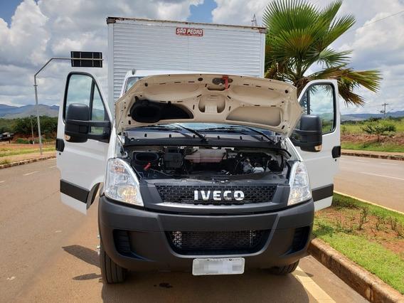Iveco Daily 70c17 4x2 Ano 2018/2019 Baú Km 37.546 Rodados