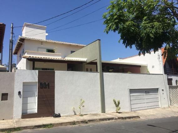 Excelente Casa No Bairro Alvorada 04 Quartos 04 Vagas! - 21101