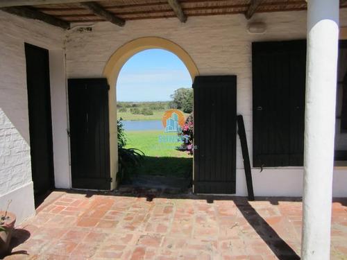 Espectacular Chacra En Jose Ignacio Compuesta Por 4 Casas Alquiler Anual- Ref: 4