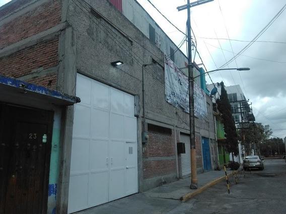 Bodega En Zona Industrial, Con Oficinas.