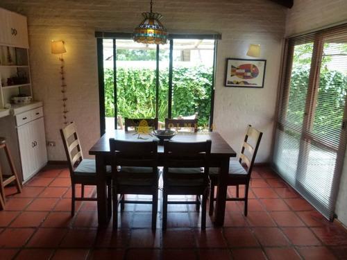 Casa En Pinares De 4 Dormitorios, 3 Baños, Cocina, Living-comedor - Consulte!!!!!- Ref: 1692