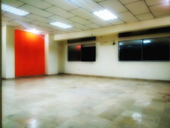 Amplio Apartamento Excelente Ubicación En Centro Guayaquil