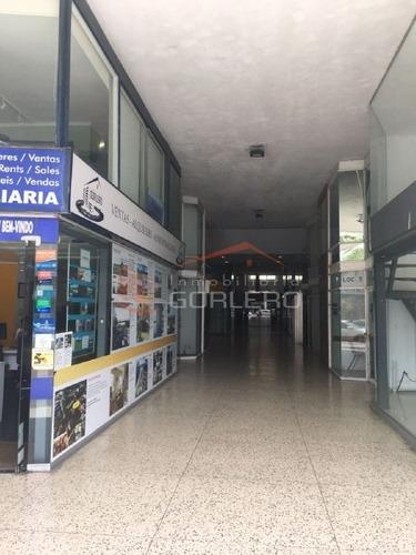 Local En Punta Del Este , Península- Ref: 21865