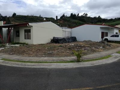 Lote Esquinero En Condominio, Listo Para Construir