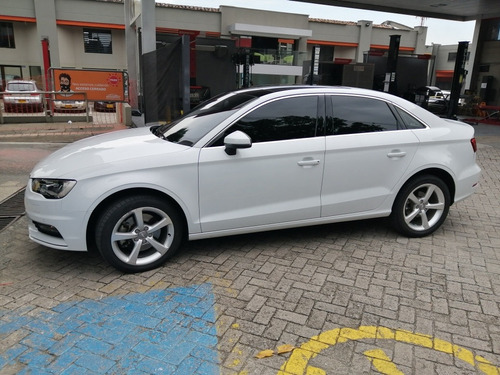 Excelente Audi A3 Sedan 1.8 Turbo  At Refull 2015