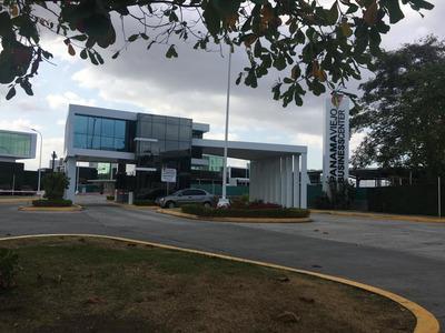 Venta Oficina #19-3318 **hh** En Parque Lefevre