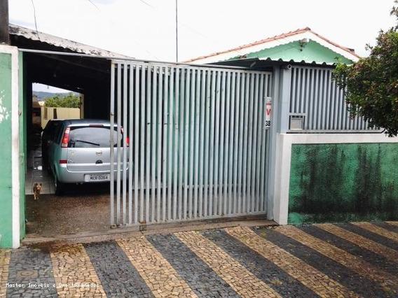 Casa Para Venda Em Valinhos, Jardim Jurema, 2 Dormitórios, 1 Banheiro, 4 Vagas - Ca006