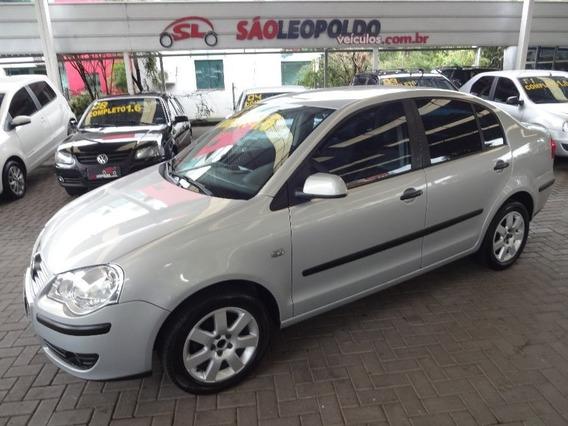 Volkswagen Polo 1.6 Sedan