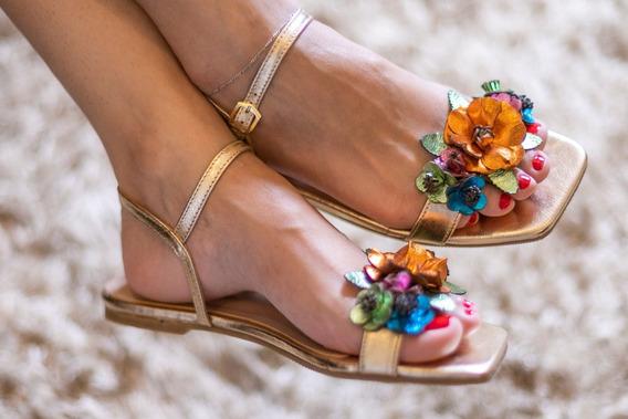 Sandália Rasteira De Couro Metalizado Cristal Flores Strass