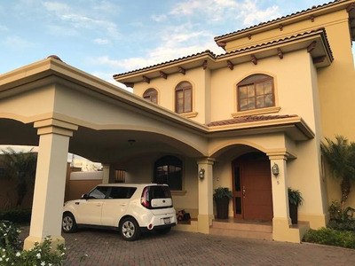 Se Vende Casa En Costa Sur #19-3312 *hh*
