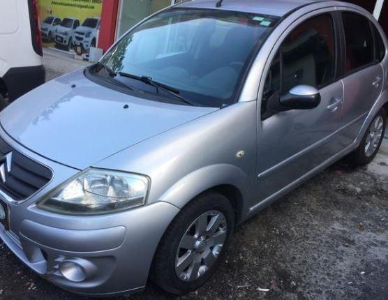 Volkswagen Voyage 1.0 Bluemotion Tec Total Flex 4p