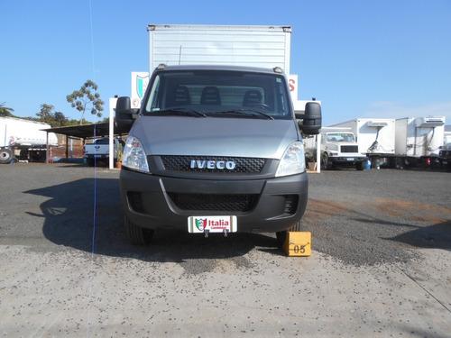 Iveco Daily 35s14 2013 Com Bau