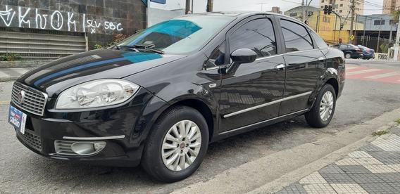 Fiat Linea 1.8 16v Lx Flex 4p 2011