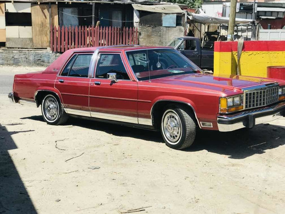 Ford Crown Victoria 1985