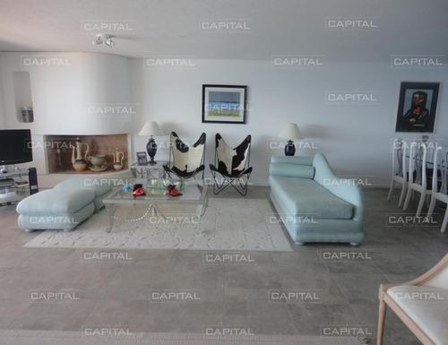 Apartamento En Brava, 3 Dormitorios *-ref:24994