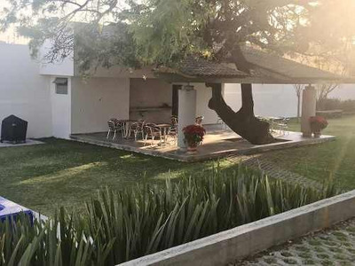 Bonito Departamento Amueblado En Renta En La Colonia Lomas De La Selva