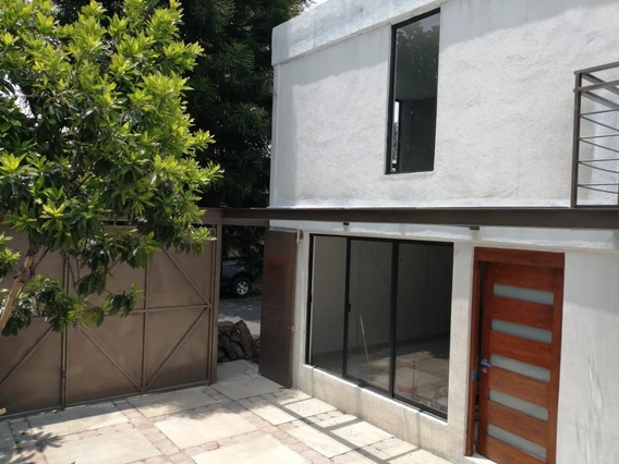Venta De Hermosa Casa Recién Remodelada