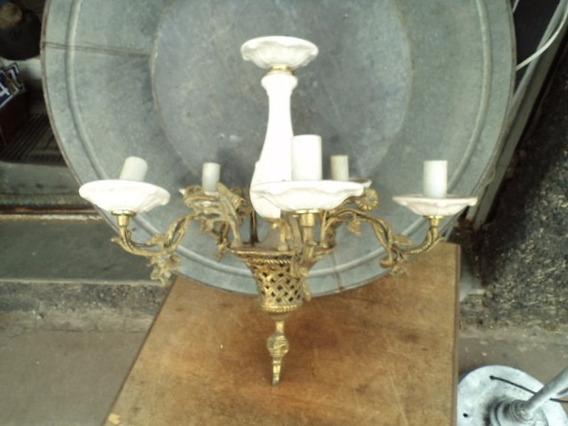 Lustre Bronze Maciço Com Cerâmica Adornada Década De 40