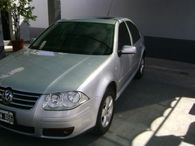 Volkswagen Bora 2.0 Trendline 115cv Tiptronic Año 2009