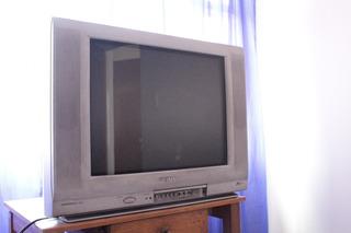 Televisor Sharp X-flat 21 Con Control Usado/negociable