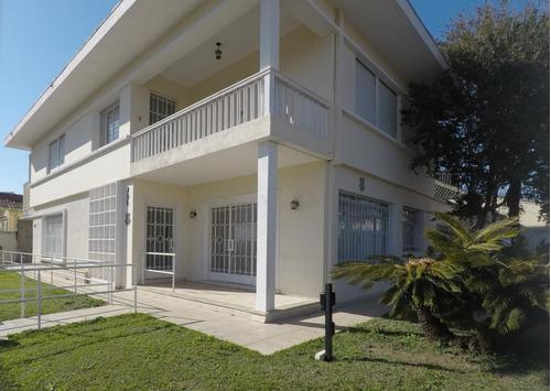Casa Com 4 Dormitórios À Venda, 405 M² Por R$ 1.800.000,00 - Jardim Botânico - Curitiba/pr - Ca0011