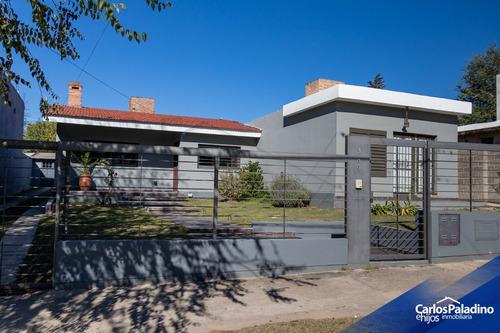 Imagen 1 de 14 de Casa Con Pileta, Mas Local Comercial Independiente