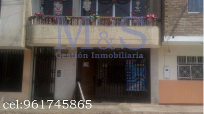 Venta De Casa De 3° Pisos En Laredo-trujillo