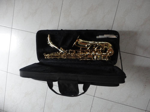 Saxofon Alto Jean Baptiste   Usado