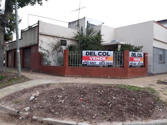 Venta Dos Casas En Block S/ Lote Esquina De 205 M2