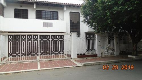 Casa En Venta En Cúcuta Av. Libertadores